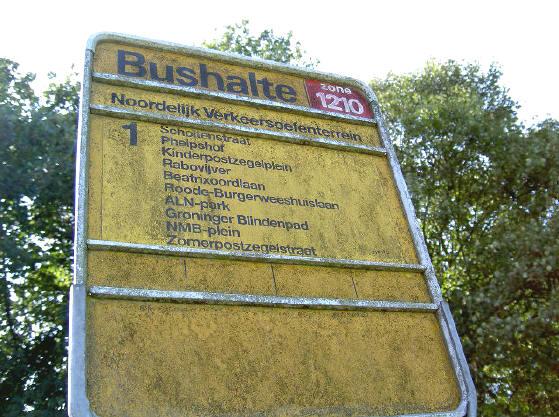 op het terrein is ook een bushalte...