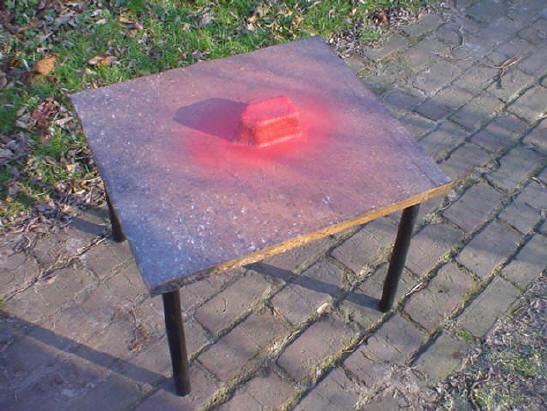 tafeltje, ongeveer 60 x 60 centimeter