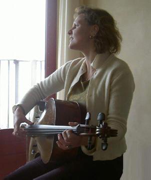 een ongebruikelijke manier van cello spelen...