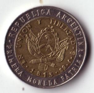 deze argentijnse munt is precies even groot als een één-euromunt...