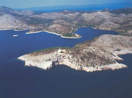 eiland met vuurtoren