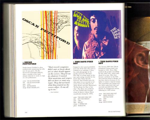 voorbeeld van een dubbele pagina met rechts een bladvullende hoes...
