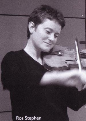 ros stephen op de viool...