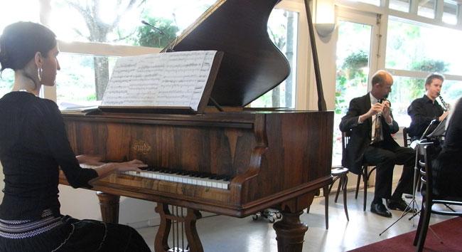 anja german, piano...