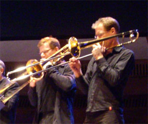 de twee trombonisten van de clazz band...