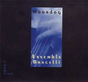 ensemble bracelli speelt moondog...