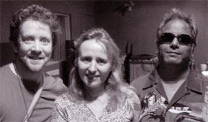 trio re-orient, met rechts baluji shrivastav...