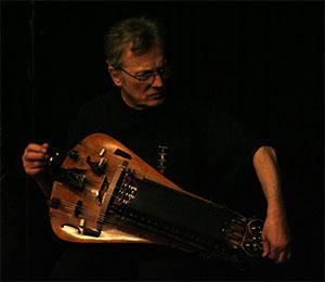 clastrier speelt tijdens barana wereld jazz festival