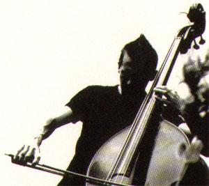 bassist Joost Vanvinckenroye