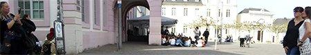 toeristen fotograferen de dom in trier