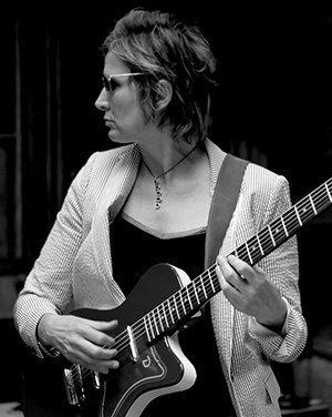 Annie Keating (2019 photo by Ehud Lazin)