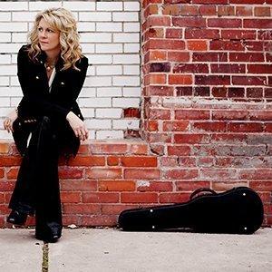 Natalie MacMaster (photo by Rebekah Littlejohn)