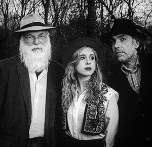 David Olney, Anana Kaye & Irakli Gabriel (Photo by Duende Vision)