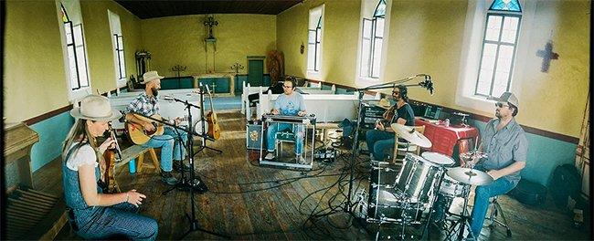 de band in de kerk